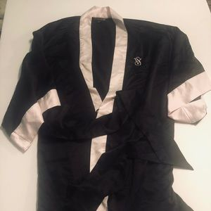 NWOT Victoria's Secret Silk Robe
